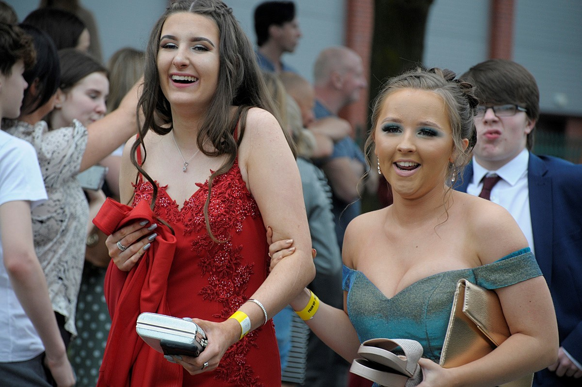 Students dazzle at St Gregory's prom night 2019