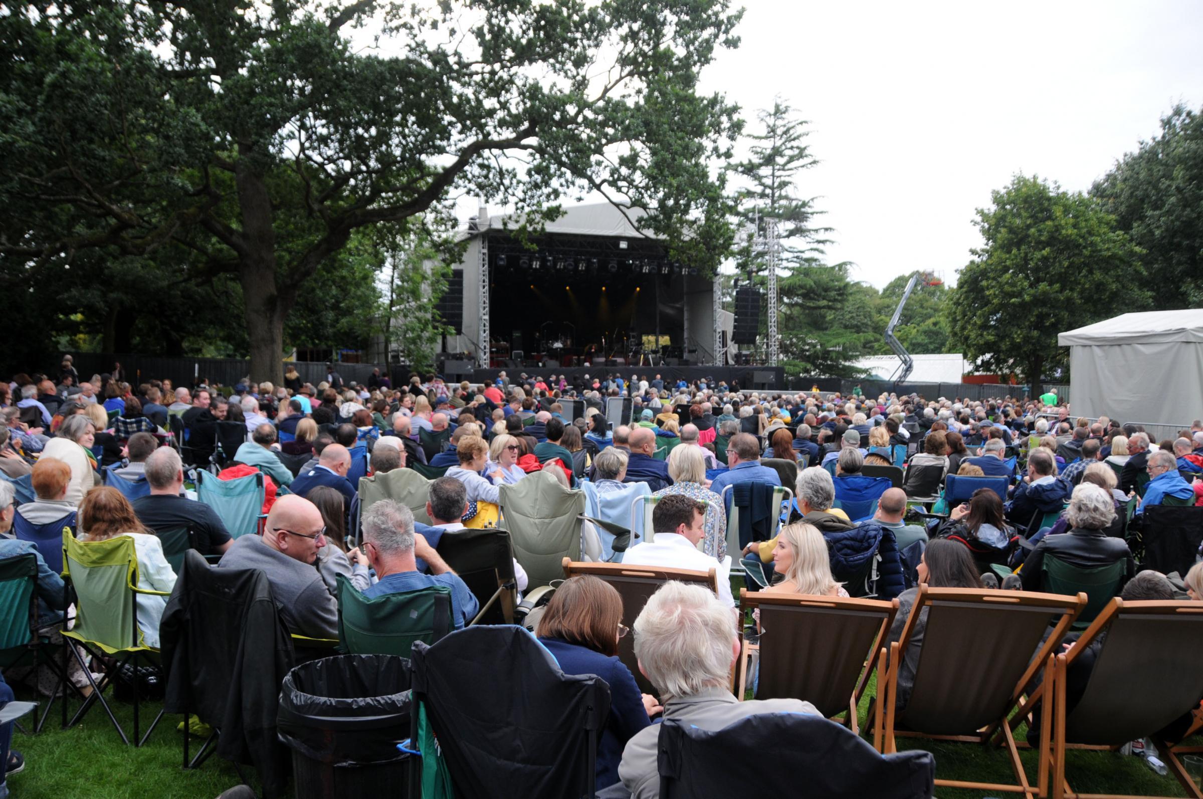 Thousands watch Jools Holland at Walton Gardens