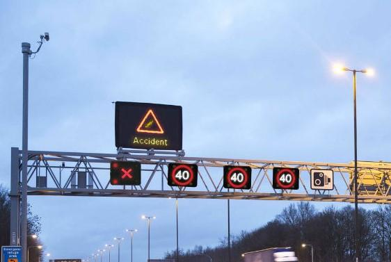 Massive increase of near-misses on roads converted to 'smart motorways'