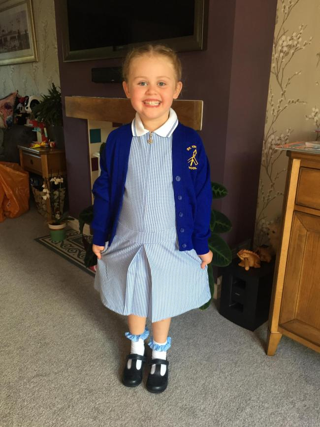 Our beautiful little girl Jemima started reception at St Thomas' Primary School his week. Mummy, Daddy and little sister Rosie are so proud. xx