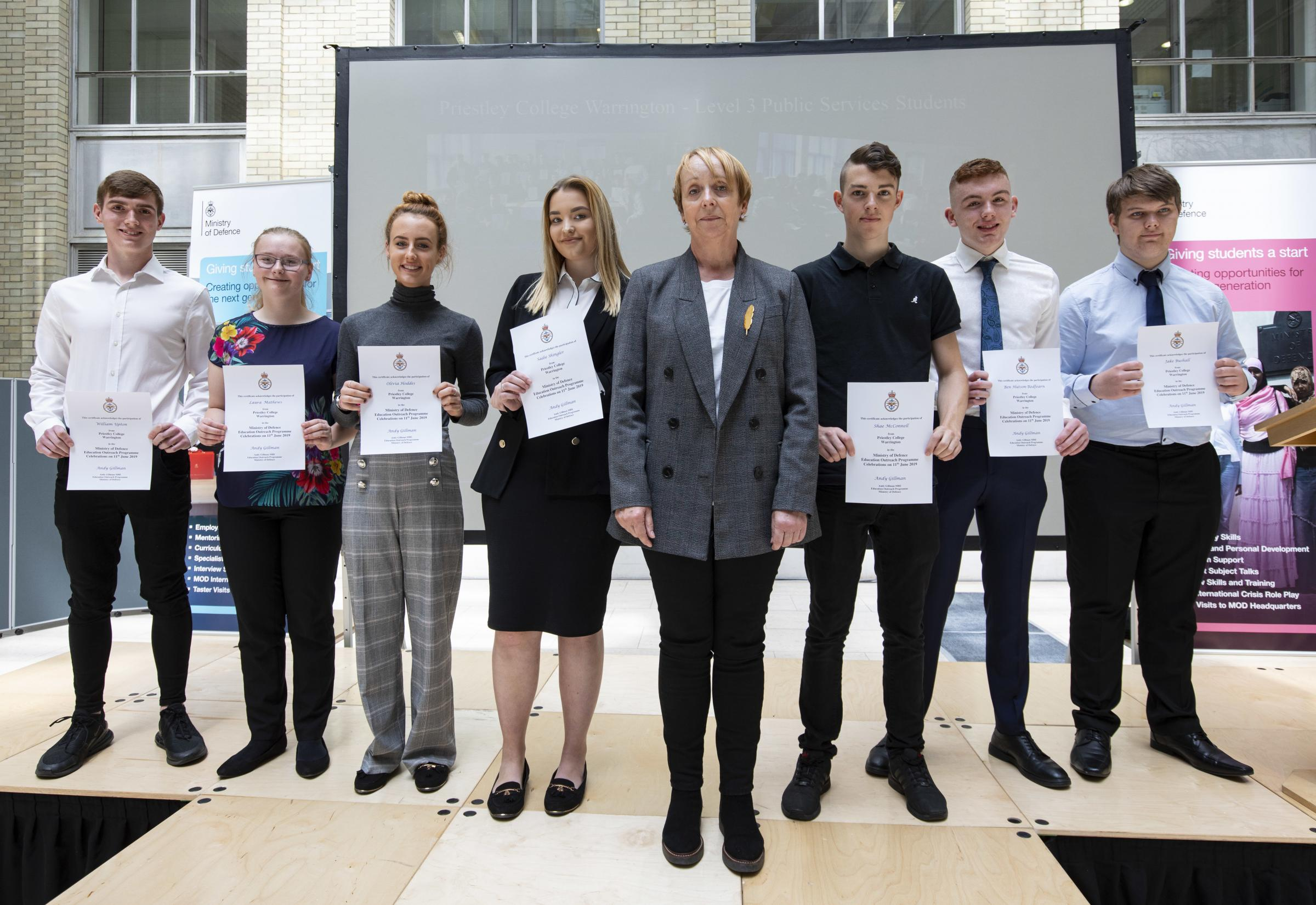 Students impress on trip to Ministry of Defence