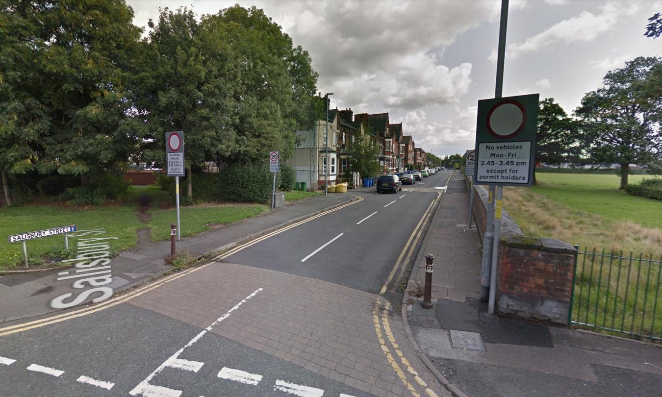 Gang brandishing weapons raid flat on Salisbury Street
