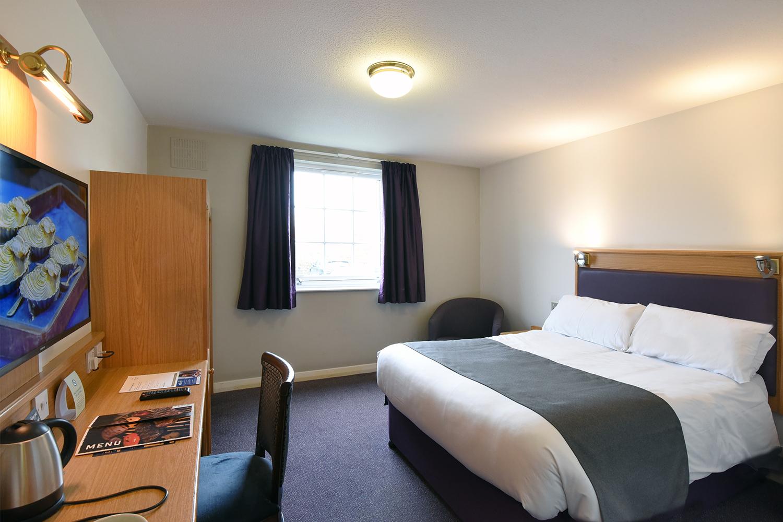 Centre Park Premier Inn becomes Greene King's Waterside Hotel