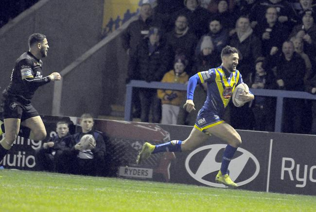 Gareth Widdop scores on his home debut against Toronto. Picture by Mike Boden