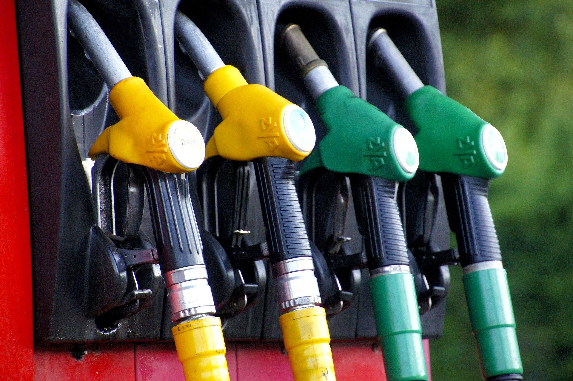 Supermarkets slash fuel prices to 'lowest level since 2018'