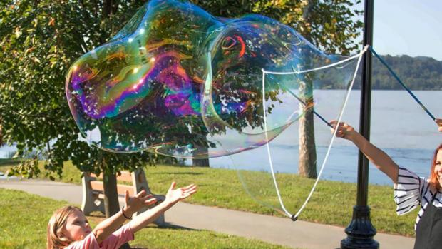 Warrington Guardian: What's not to love about bubbles? Credit: Etsy / BubblePalooza