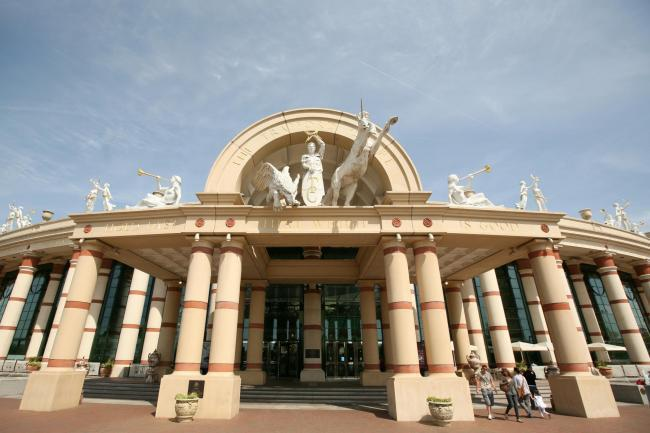 A bus service to the Trafford Centre relaunched on Monday