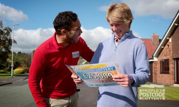 Warrington Guardian: Kate Price (Foto: Pemenang Lotere Kode Pos Rakyat)