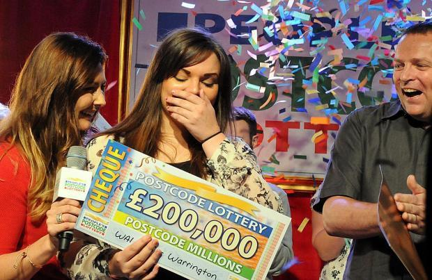 Warrington Guardian: Charlotte memenangkan £ 200.000 (Foto: Lotre Kode Pos Rakyat)