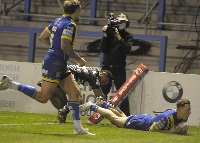Matty Ashton's second try against Hull in Thursday's play-off. Picture: Mike Boden