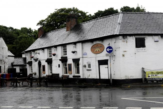 Cheshire Cheese pub in Latchford DG190815