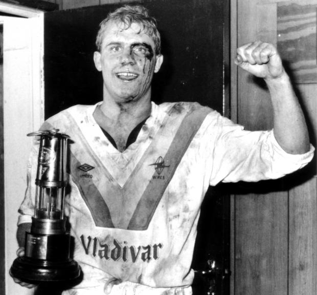 Warrington Guardian: Battle-scarred Mike Gregory after winning the Britsh Coal Nines at Wigan for Warrington