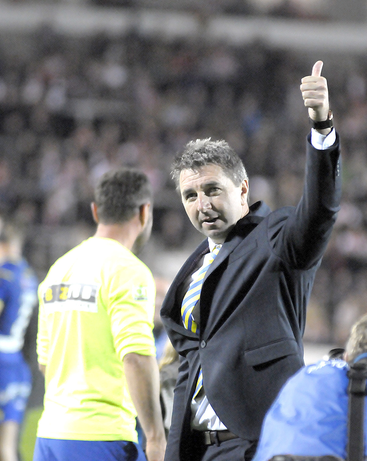 Steve Price salutes the Wire fans following the 2018 Super League semi-final win over St Helens. Picture by Mike Boden