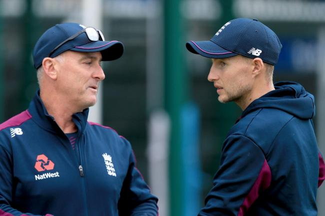 Graham Thorpe has urged England's batsmen to lighten the load on Joe Root