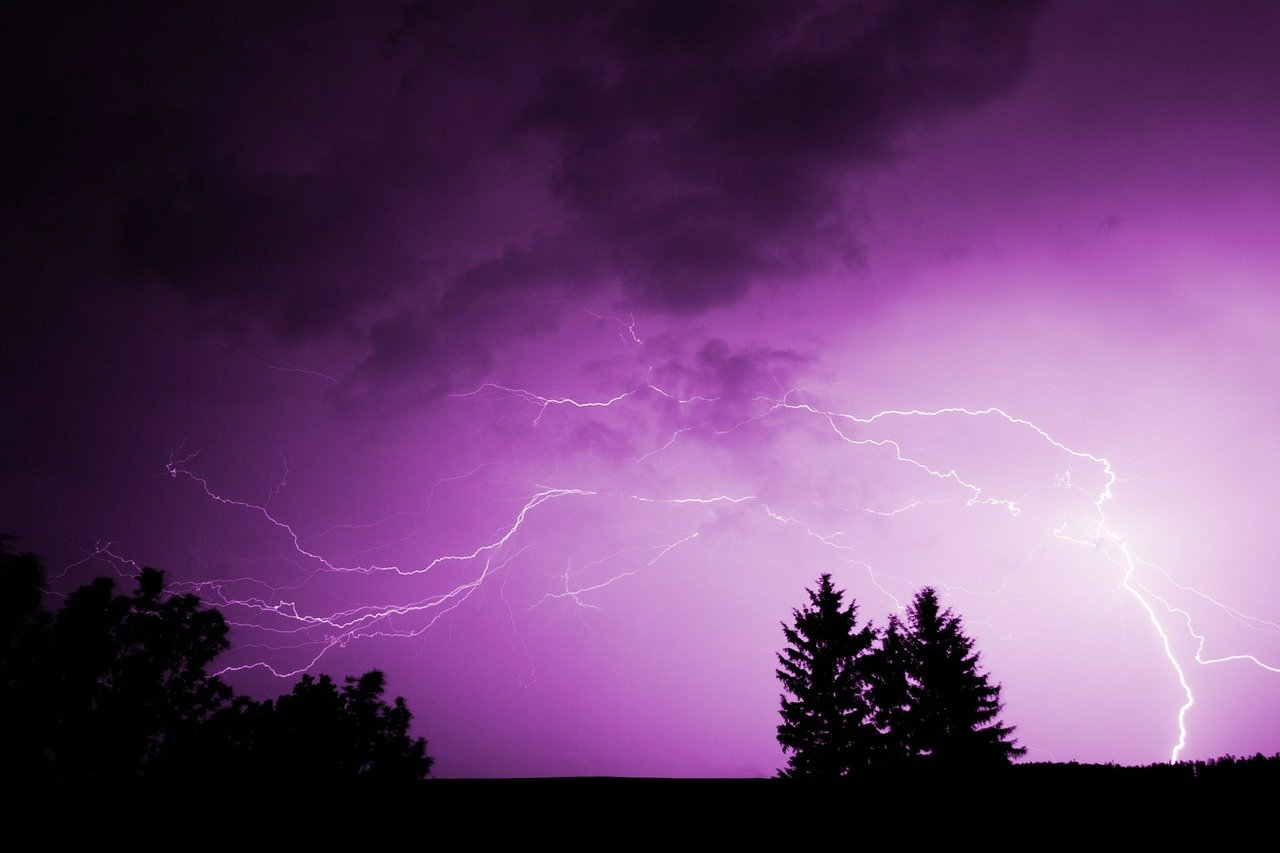 Weather warning issued for Warrington with thunderstorms and heavy showers forecast