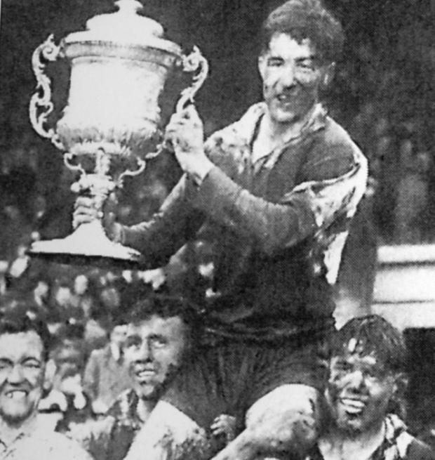 Warrington Guardian: Albert Naughton, the last Warrington captain to lift the Championship trophy in 1955