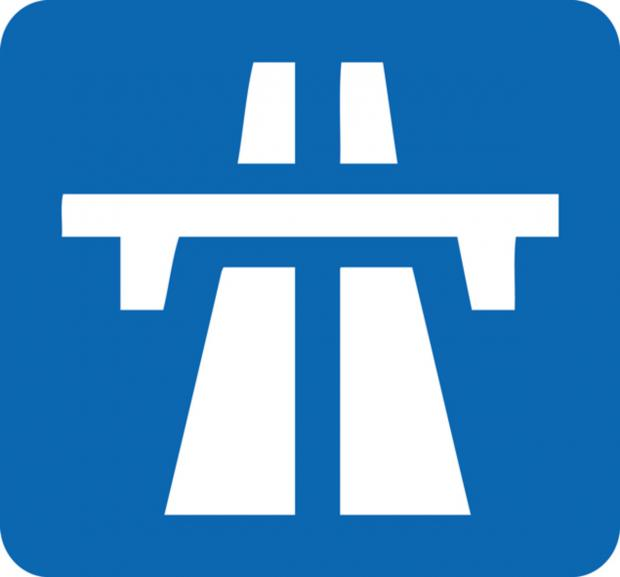 Warrington Guardian: Thelwall Viaduct closes as 69mph winds batter town