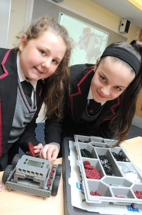 Woolston students rolling up their sleeves for robotic action