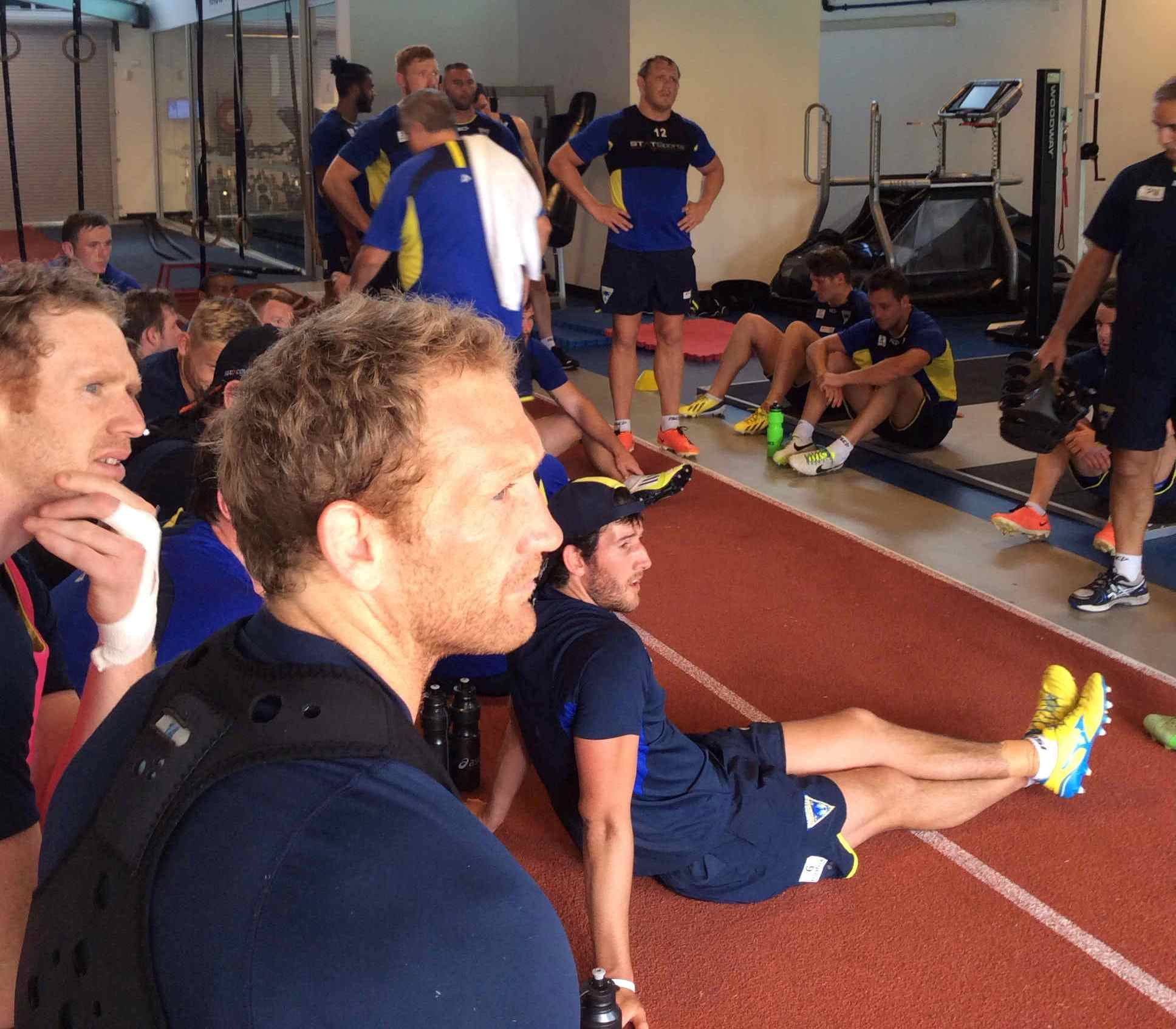 PICTURES: Wolves train with NRL club Canterbury Bulldogs