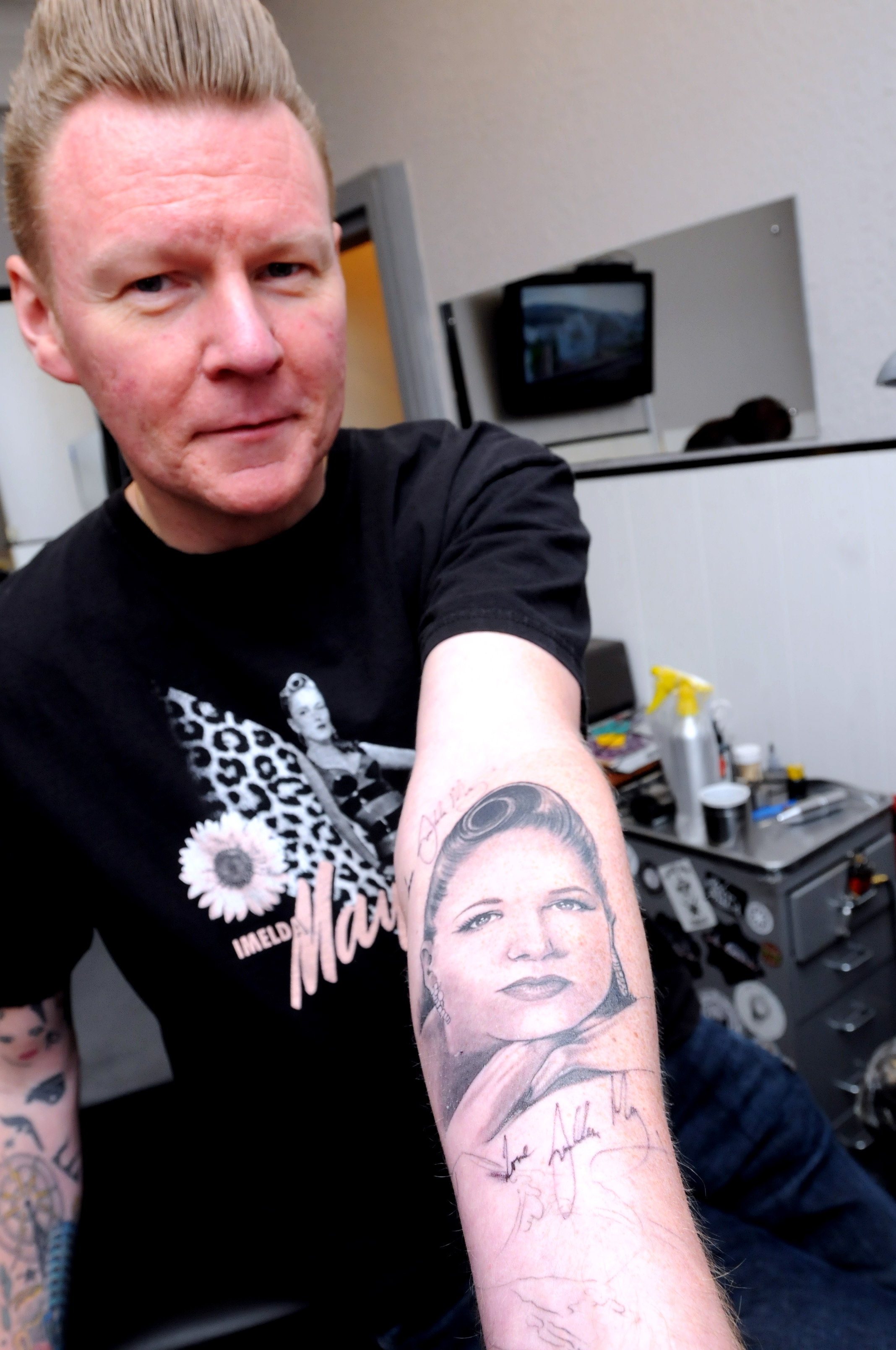Sankey man's support for Imelda May is inked in