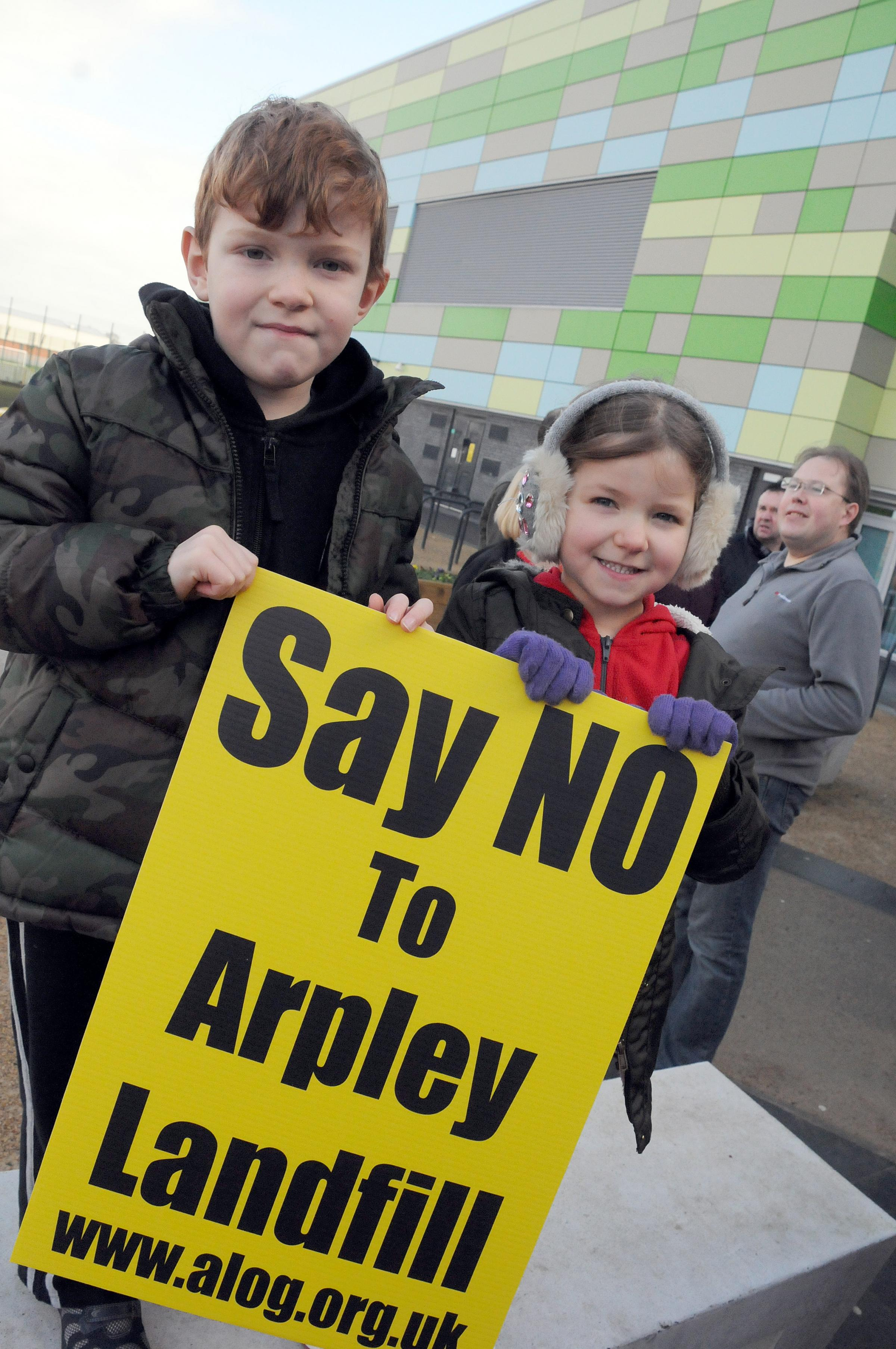 UPDATED: Residents have their say over Arpley tip row