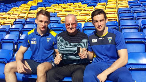 Warrington Guardian: George King, left, and Toby King, right, with club ambassador Alex Murphy