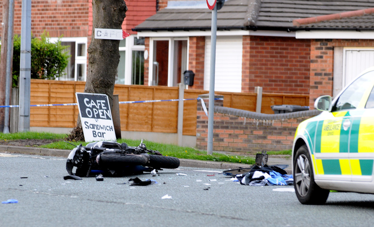 UPDATED: 11.25. Man in hospital after Poplars Avenue accident