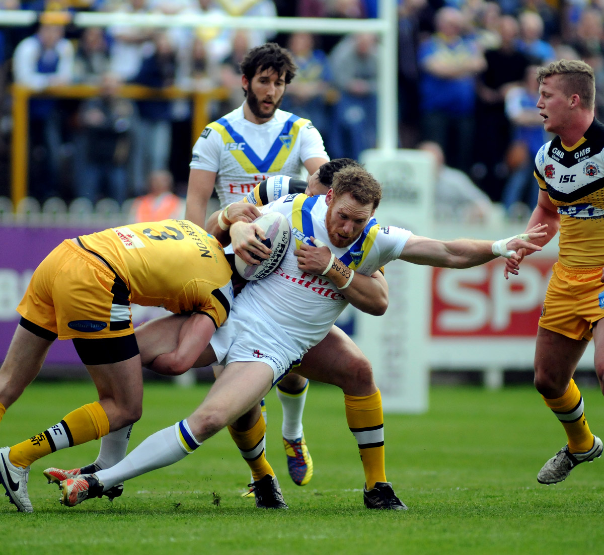 FULL TIME, PICTURES ADDED: Castleford Tigers 40 Warrington Wolves 6