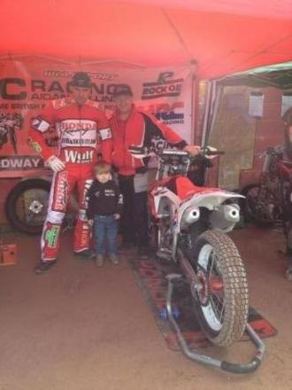 Collins' winning start in British Flattrack Championships