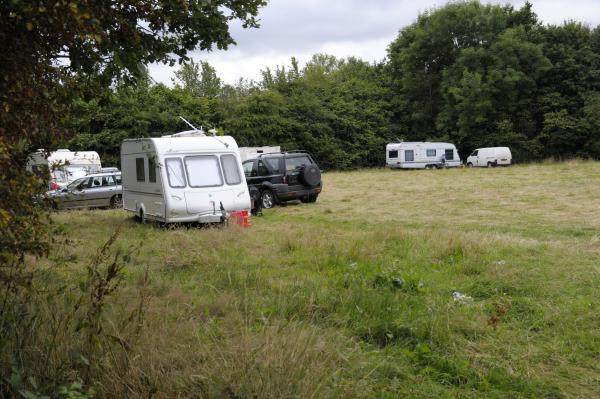 Travellers refuse to leave Peel Hall Park