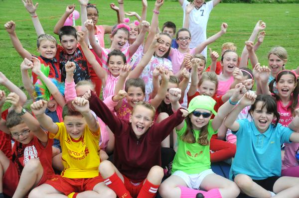 Mini Mo Farahs take to the track for charity in Penketh