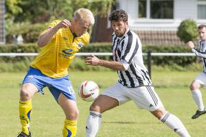 PICTURES: Yellows win at Barnton
