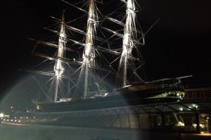 Man spots 'supernatural' orb in spooky pictures of Cutty Sark