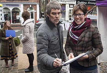 The Stone Roses frontman Ian Brown signs the 'Don't Bomb Syria' petition in Lymm       Photo by Estelle Cadwallader
