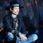 Warrington Guardian: Johnny Depp duetted with Kris Kristofferson at Glastonbury