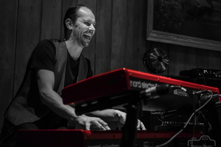 An evening of dinner and live music with vocalist and keyboardist Nick Steed