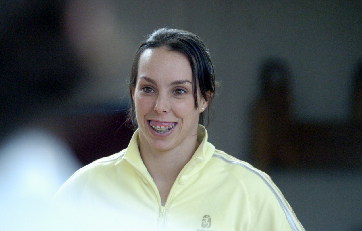 Olympic medal-winner Beth Tweddle will host free gymnastics classes at the University of Chester's Padgate campus this weekend.