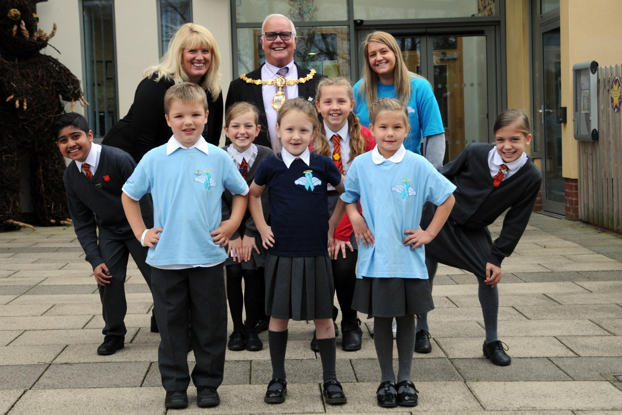 Great Sankey Primary pupils with Rebecca Searle from Harry and Co, Mayor Les Morgan and head teacher Vicky Briggs