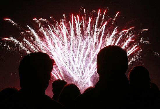 Warrington Guardian: Fireworks light the sky