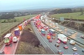 Long queues after gritter breaks down on M6