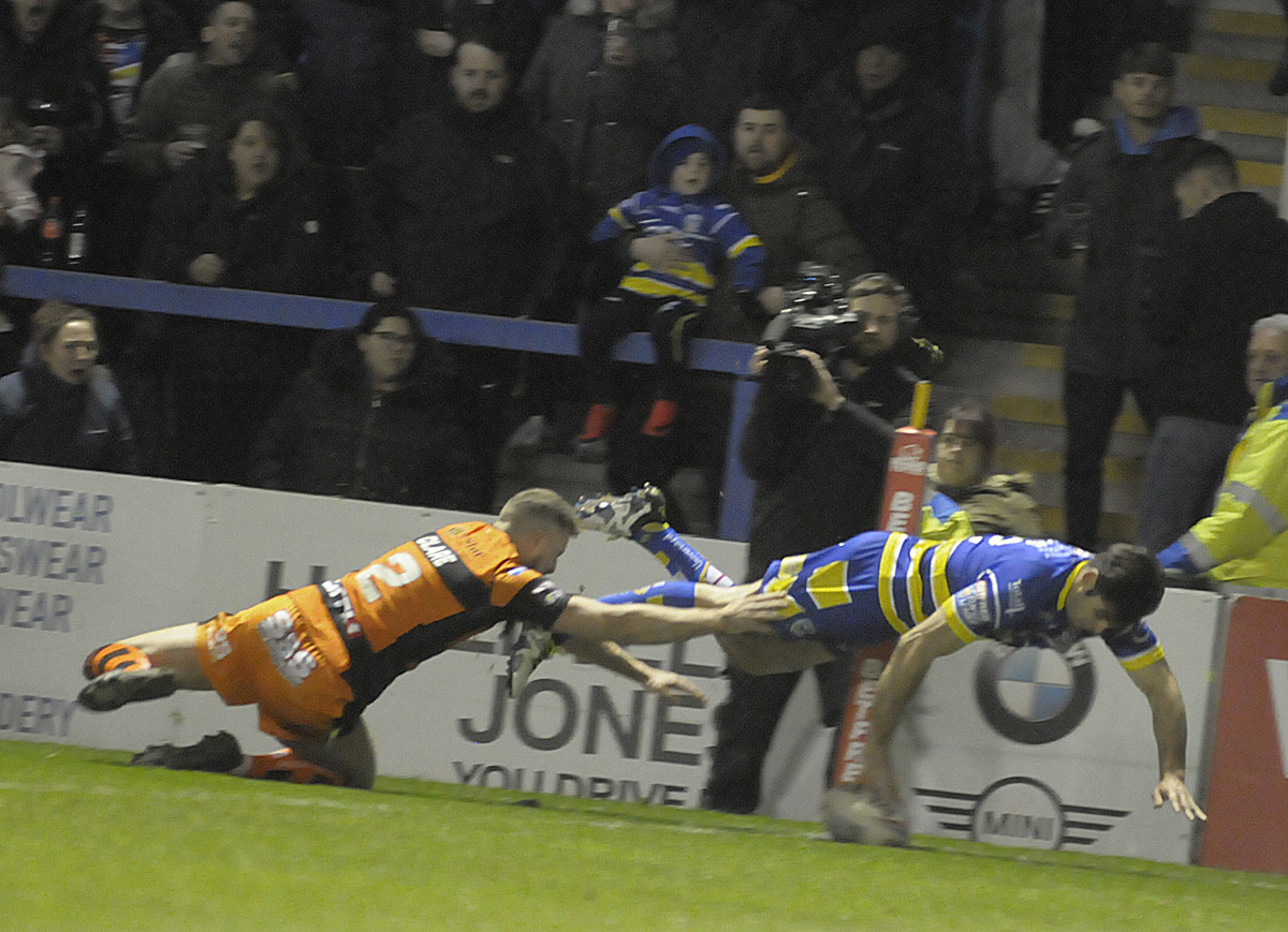 Jake Mamo scored twice on his first Super League start for Wire. Picture by Mike Boden