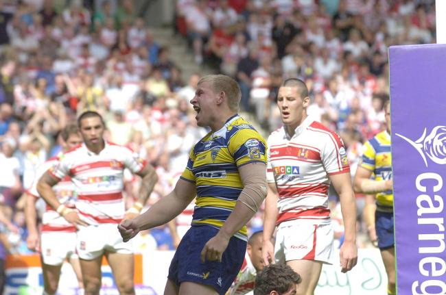 Mike Cooper celebrates scoring against Wigan in the 2009 Challenge Cup semi-final. Picture by Mike Boden