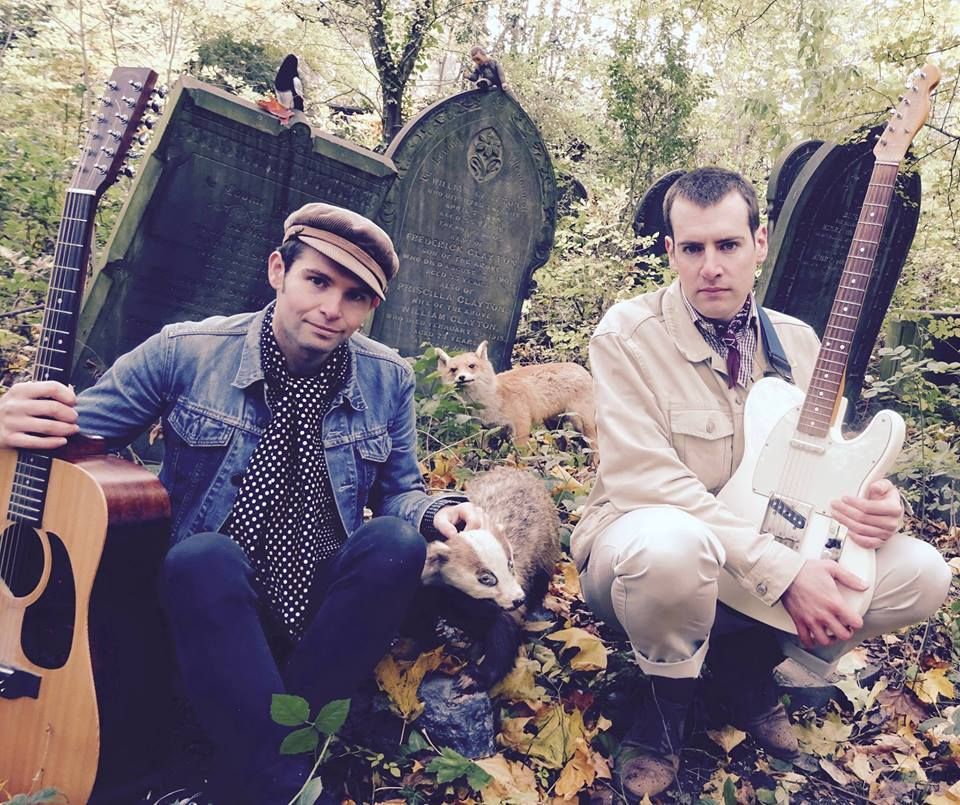 Acoustic duo to cycle 120 miles to play in Warrington as part of unique music tour