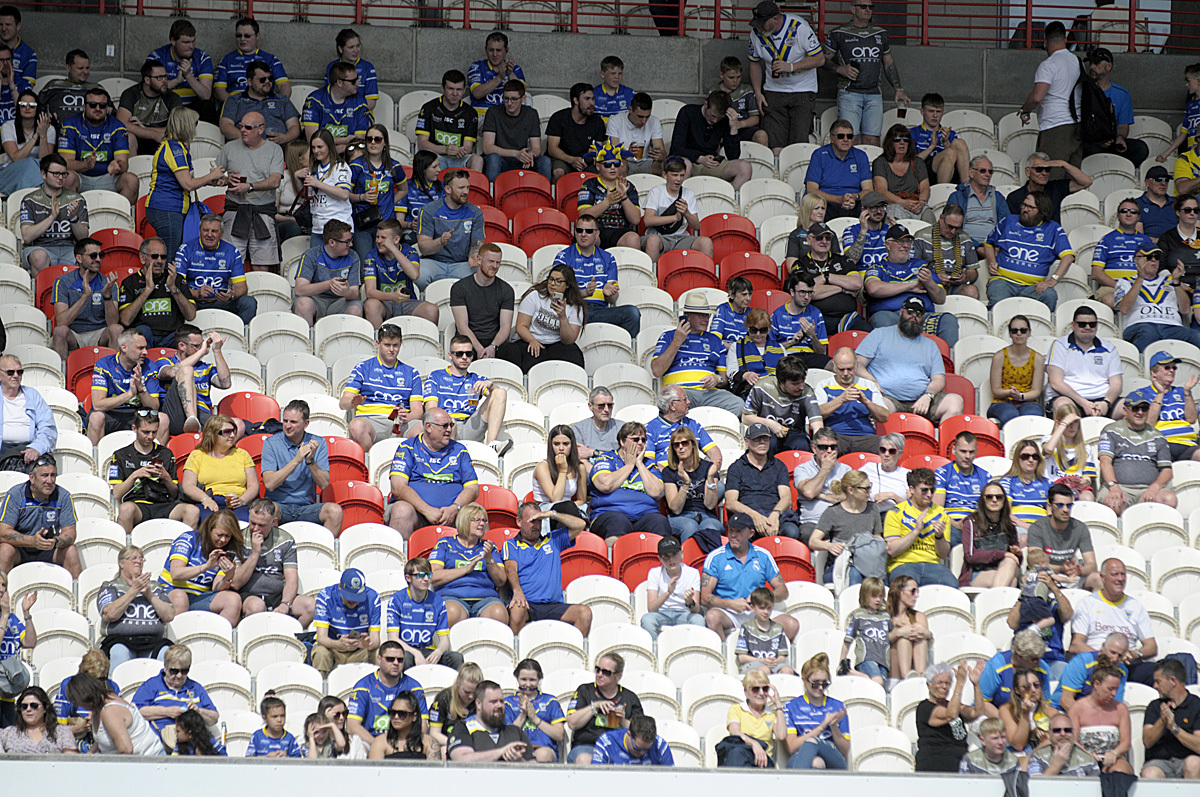 Time to salute the Wire fans who made the trip to Hull KR away