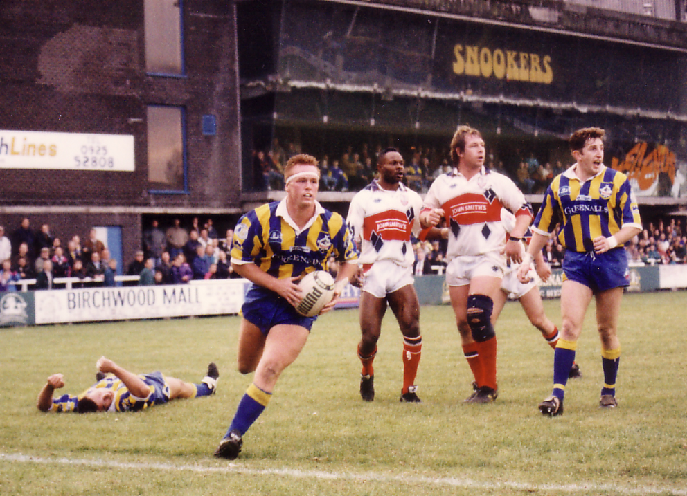 Kevin Ellis in action for Warrington Wolves at Wilderspool