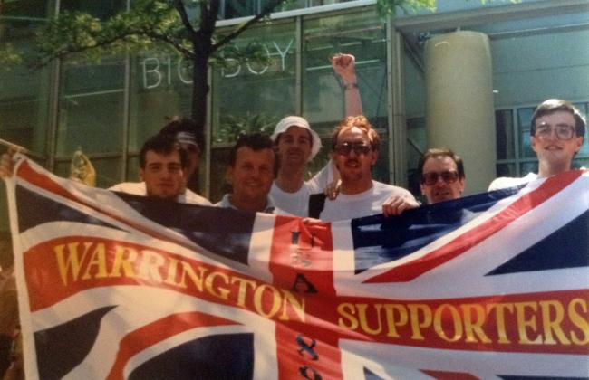 Warrington fans with their hero Les Boyd in Milwaukee, 1989